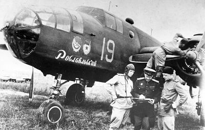 Штурман А.Левицкий и лётчик Н.Горбунов / фото из архива П.Закутина