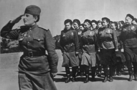 Девушки. ВОВ 1941-1945 Отряд.